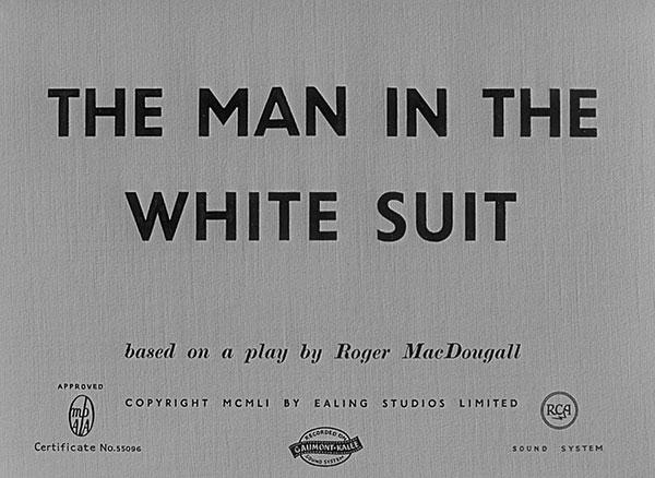 homme au complet blanc